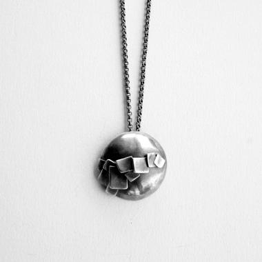 petits papiers necklace
